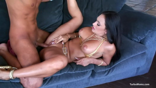 TurboMoms.com - Claudia Valentine HD video screenshots - 1 - 11