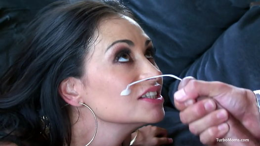 TurboMoms.com - Claudia Valentine video screenshots - 1 -
