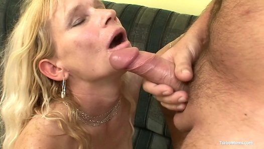 TurboMoms.com - Darina HD video screenshots - 1 - 24
