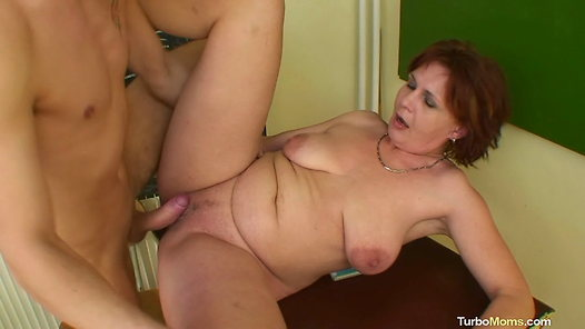 TurboMoms.com - Helena video screenshots - 1 -