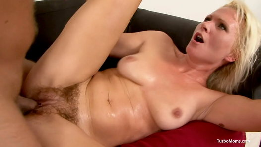 TurboMoms.com - Kathy Anderson video screenshots - 1 -