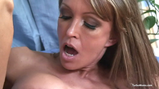 TurboMoms.com - Kristina Cross video screenshots - 1 - 12
