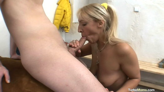 TurboMoms.com - Marketa HD video screenshots - 1 - 14