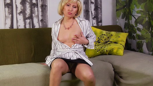 TurboMoms.com - Olga video screenshots - 1 -
